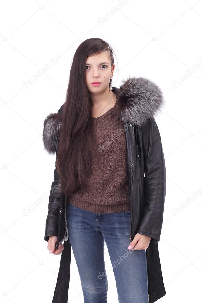 279a712d4c08 Bella giovane ragazza che indossa vestiti di inverno — Foto di lanych