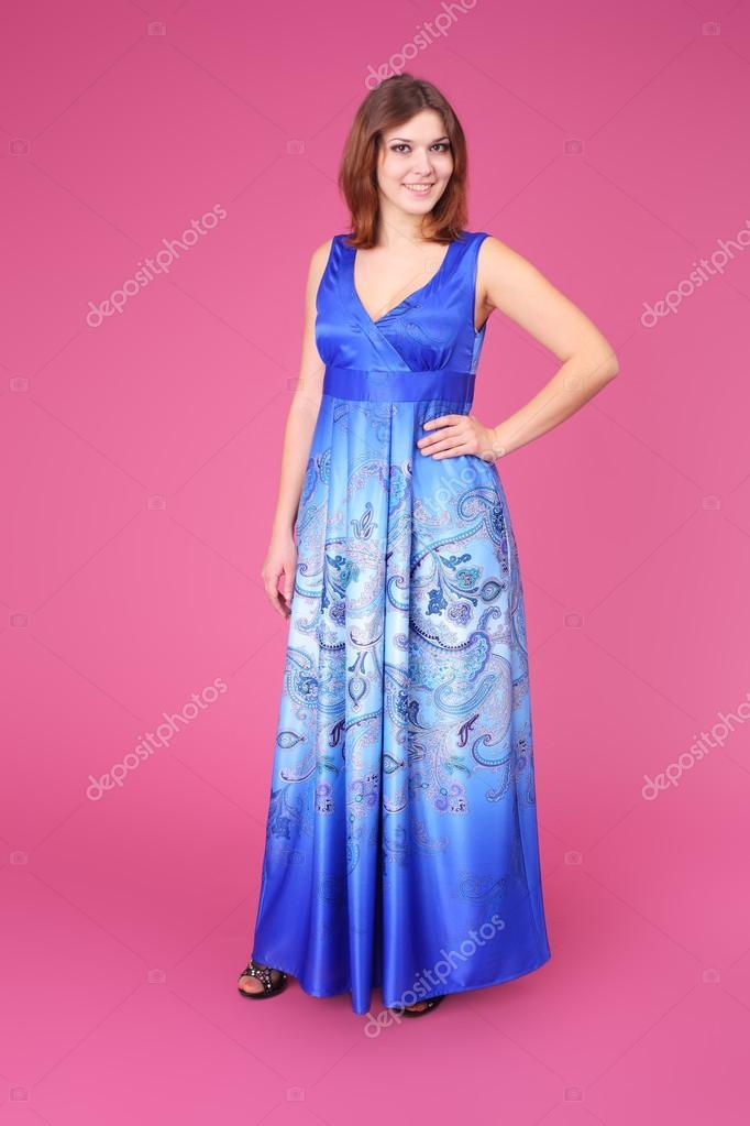 Niña bonita en vestido de fiesta — Fotos de Stock © lanych #78673902