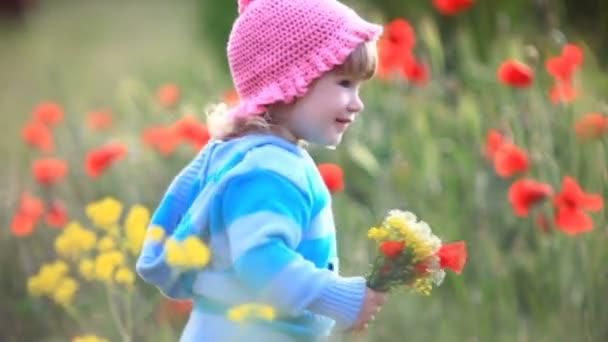 Dítě s květy