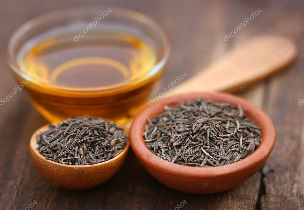 Caraway seeds with essential oil — Stock Photo © bdspn74