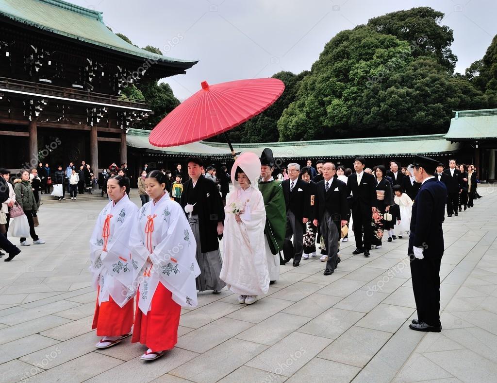 japanese seasonal tradition held - 1000×770