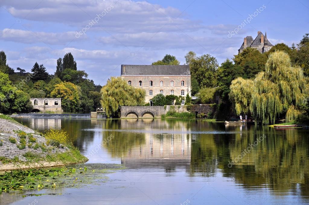 フランスのサルト川 — ストック...