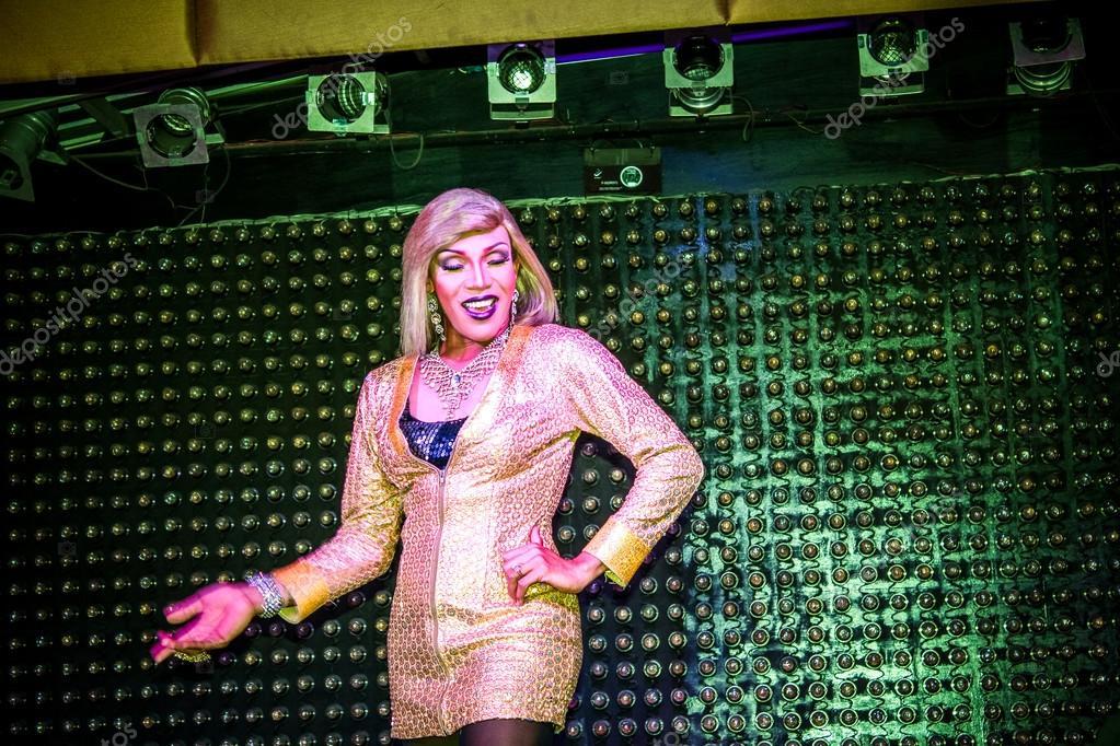 masturbiruyut-nochnie-klubi-transseksualki