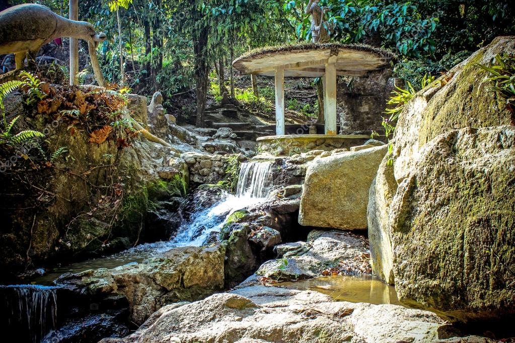 De Magische Tuin : Magische tuin in koh samui u stockfoto emaria