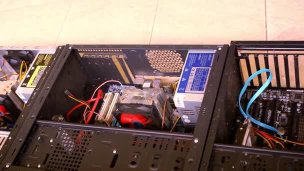 Cpu Unit Server Room Data Center. Öffnen Sie die Computerhülle. Videoverschiebungsbewegung