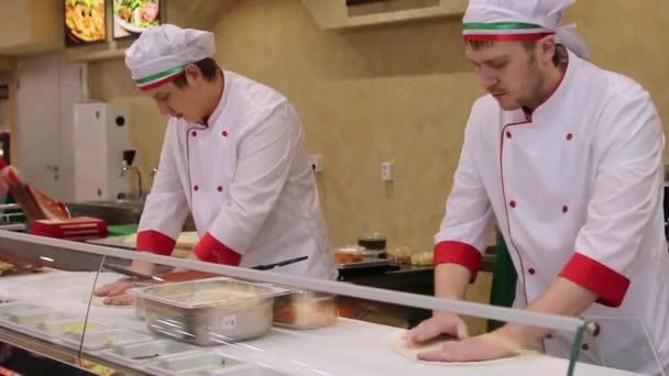 Oroszország, moszkvai, március 7-én 2015-ig szakácsok baker és pizza szakács egységes pizzéria étterem konyha