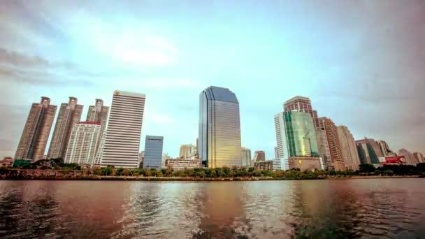 Bangkok city centru den do noci, Thajsko