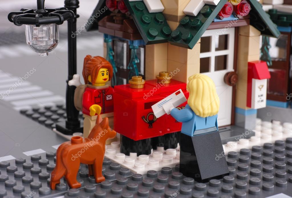 Bureau de poste de lego u photo éditoriale rosinka