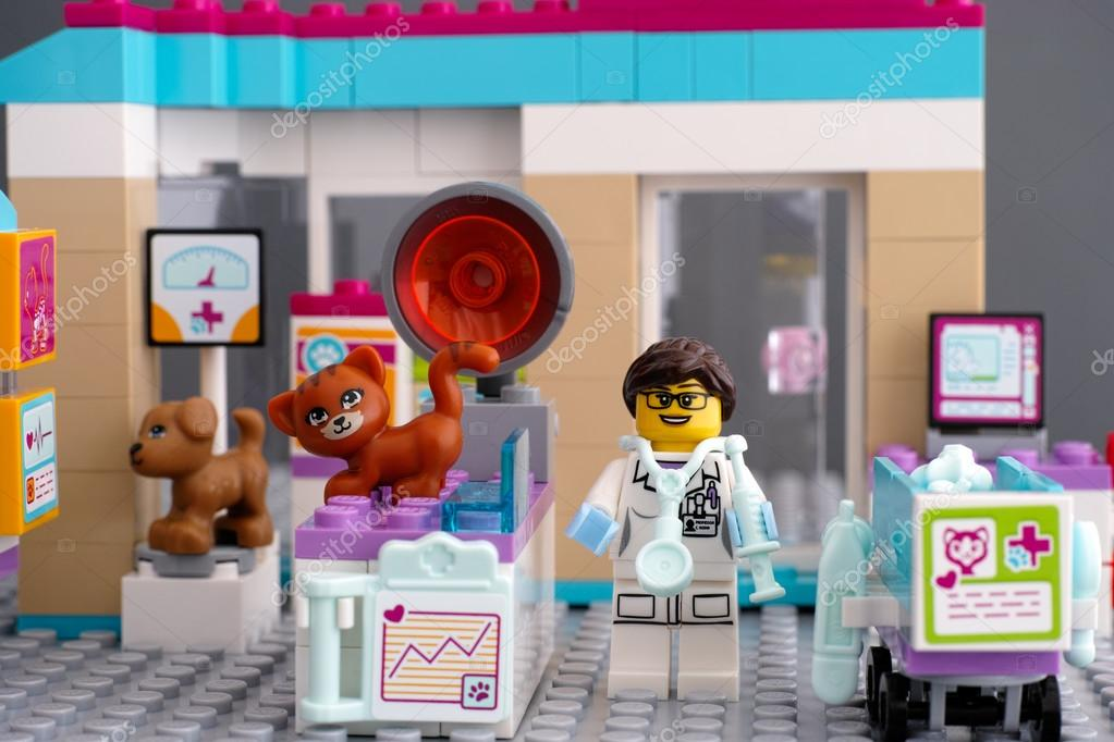 Lego Friends Vet Clinic With Pets And Doctor Stock Editorial Photo