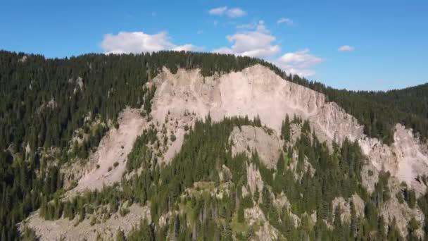 Orpheus sziklák légi kilátása Rodope hegységben, Smolyban, Bulgáriában