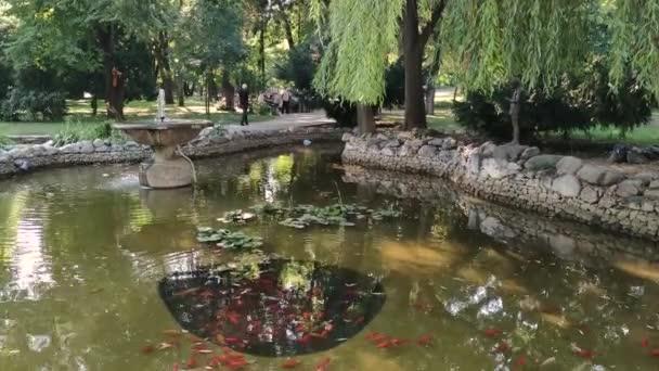 PLOVDIV, BULHARSKO - 20. června 2020: Panorama carské zahrady Simeon v bulharském Plovdivu