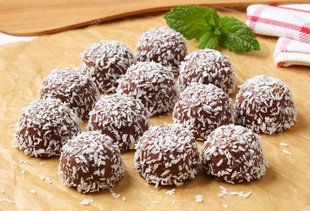 Schokolade Kokos Schneeball cookies — Stockfoto © ajafoto #78268130
