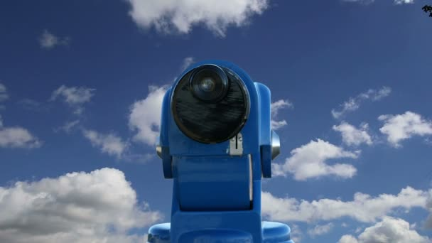 Távcső viewer ellen az égen (idő telik el)