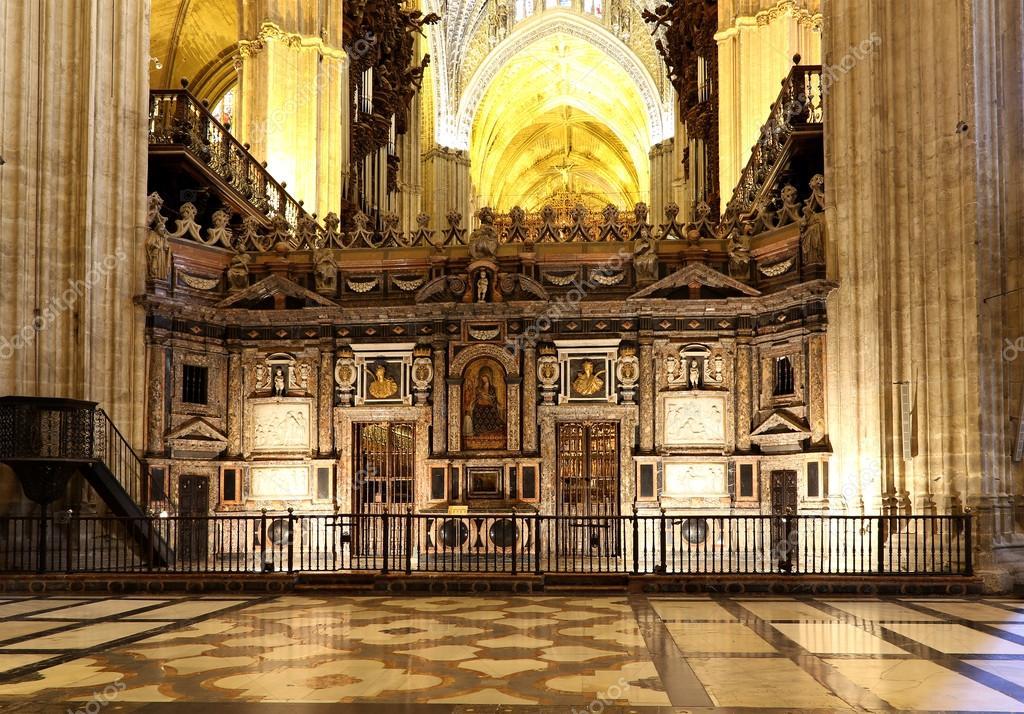 Interior catedral de sevilla catedral de santa mar a de - Catedral de sevilla interior ...