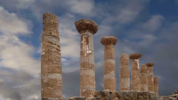 Továbbra is az ókori görög templom a Héraklész (V-Vi század Bc), a Templomok-völgyétől Agrigento, a Szicília.