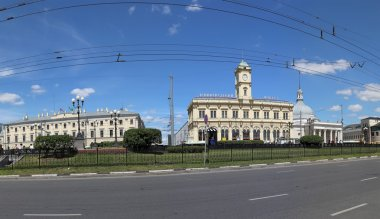 Panorama of the Komsomolskaya Square (Three Station Square or simply Three Stations) thanks to three ornate railway terminal situated there: Leningradsky, Yaroslavsky, and Kazansky. Moscow, Russia