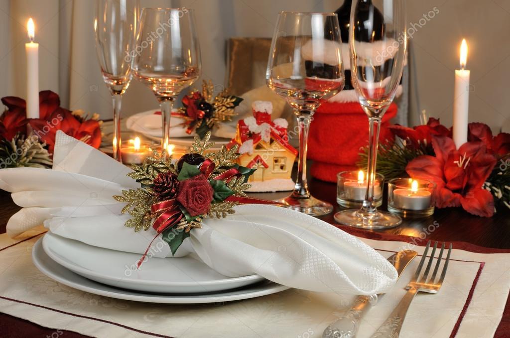 Kerst Tafel Decoratie : Feestelijke kerst tafeldecoratie u2014 stockfoto © apolonia #59823623