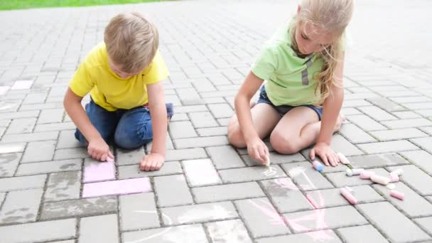 kids painting with chalk