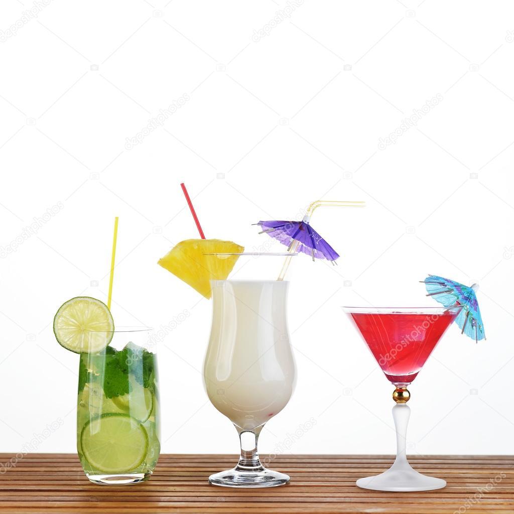 c074fd693 Colección de bebidas cocteles — Foto de stock © Taden1  89781200