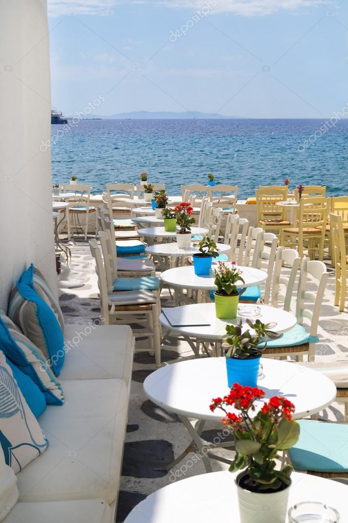 Фотообои Beautiful cafeteria at the beach, on Mykonos island, Greece