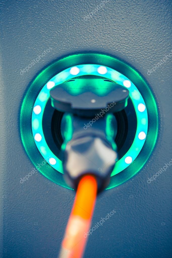 Stopcontact Voor Elektrische Auto Oplader Stockfoto C Nikkytok