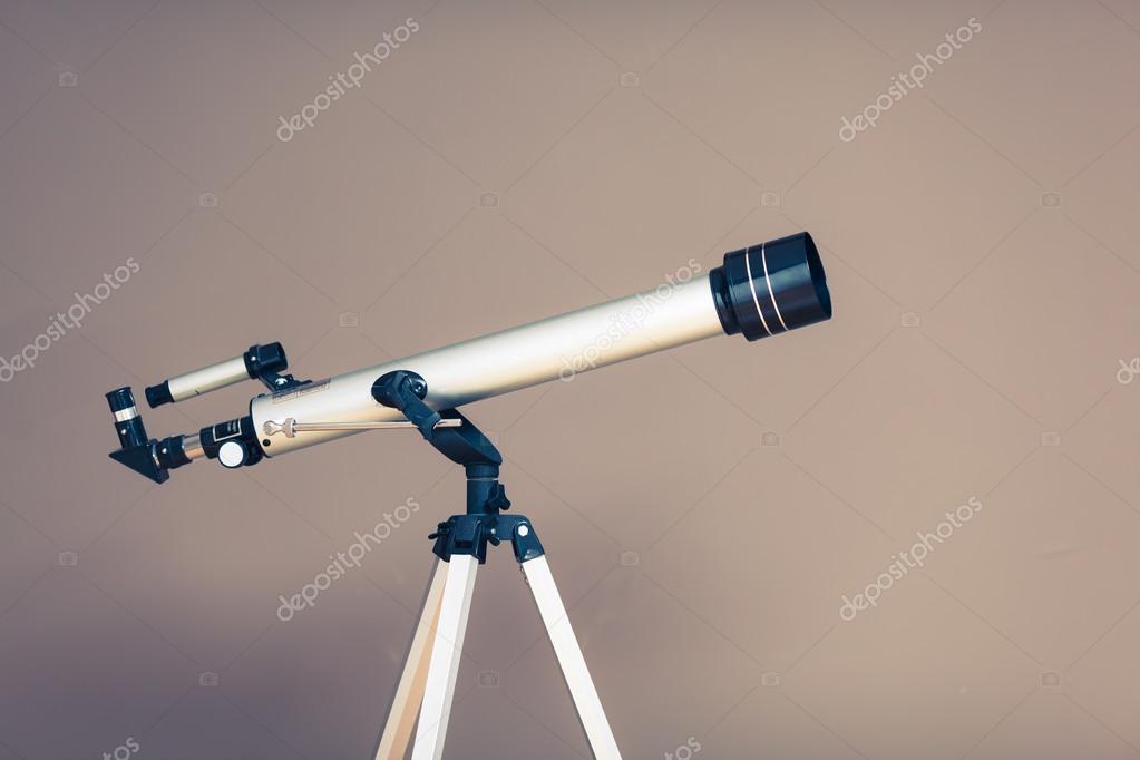 Teleskop mit stativ u stockfoto nikkytok