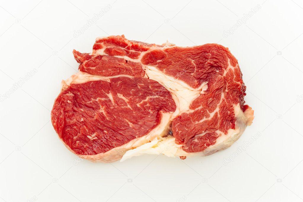 фото мяса на белом фоне