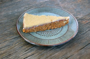 carrot cake with cashew cream