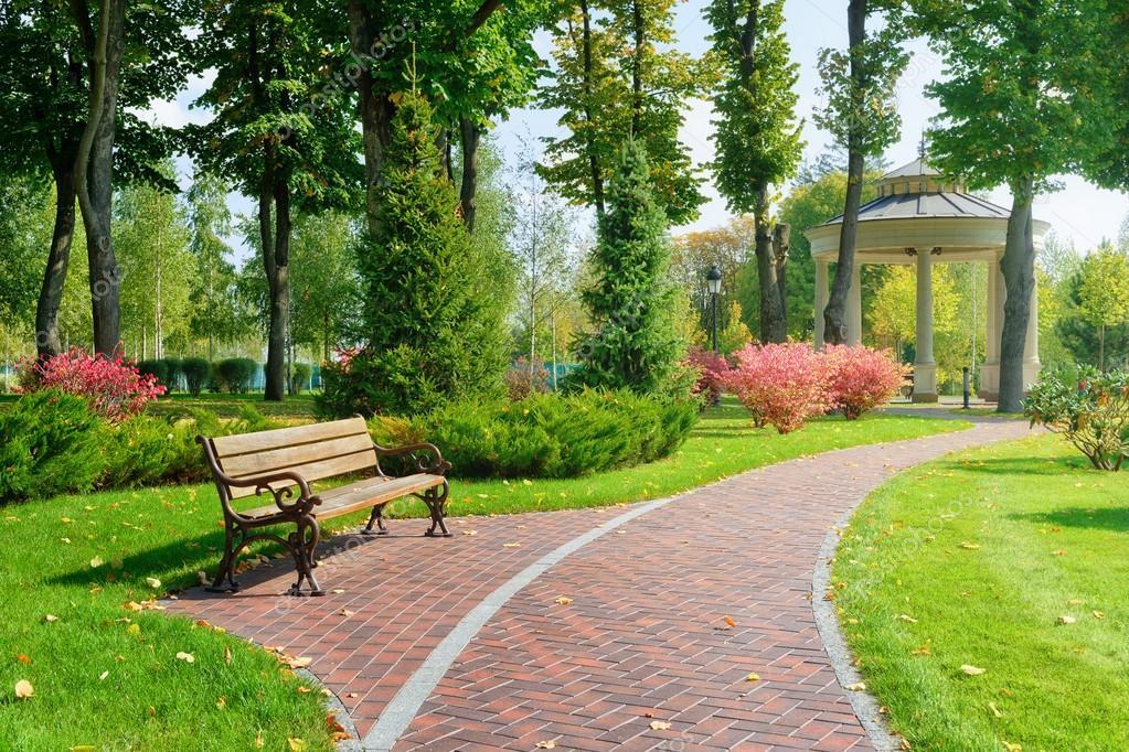 Beau parc avec banc photographie mny jhee 62786411 for Tarif espace vert