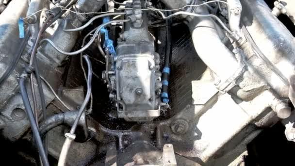 Dieselový Motor na lodi