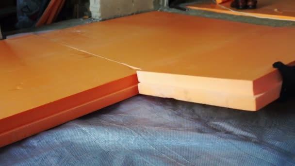 Fußboden Dämmung Styropor ~ Fußbodendämmung mit styropor vor dem betonieren u stockvideo