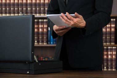 Keeping Documents In Briefcase In Office