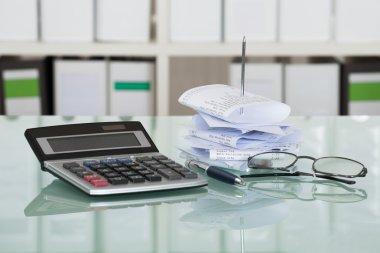 paper bills With Calculator