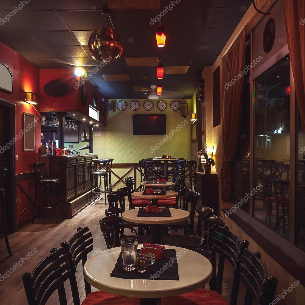 Café Retro-Innenarchitektur — Stockfoto © krsmanovic #86211978
