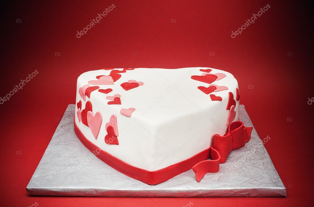 szív alakú torta képek Szerelem szív alakú torta — Stock Fotó © krsmanovic #92922578 szív alakú torta képek