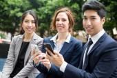 Multi etnikai üzleti emberek csoportja
