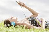 Fényképek hallgató-hoz zene nő
