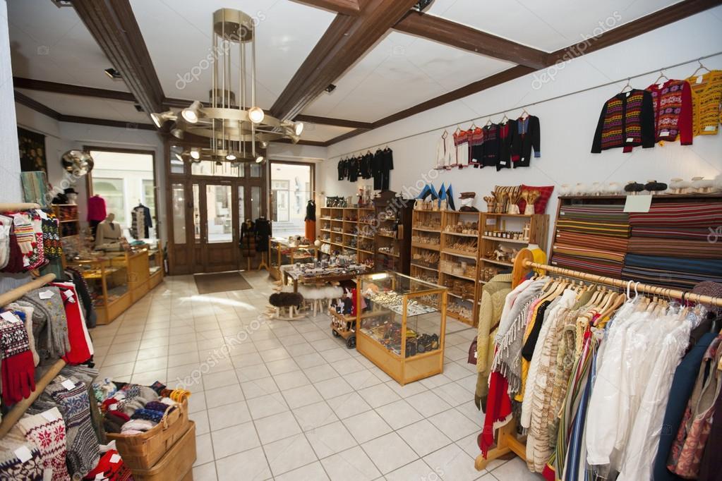Interieur van cadeau winkel — Stockfoto © londondeposit #57283739