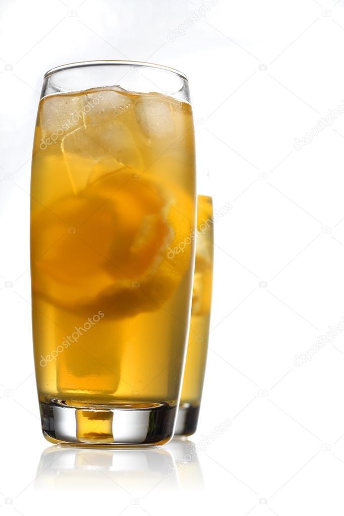 zwei Alkohol-Getränke — Stockfoto © londondeposit #69078941