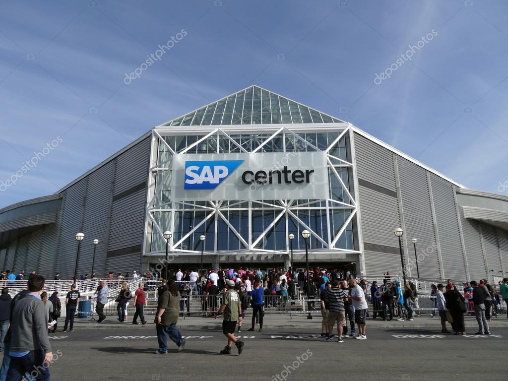 Crowd of People line up to enter the SAP Center for live taping
