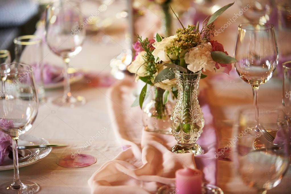 Wedding table setting for ceremonies