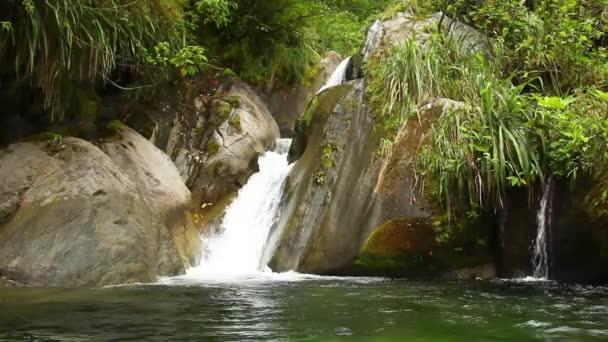 8 kroků vodopád
