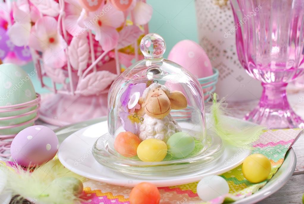 Ostern Tischdekoration In Pastellfarben Stockfoto C Teresaterra