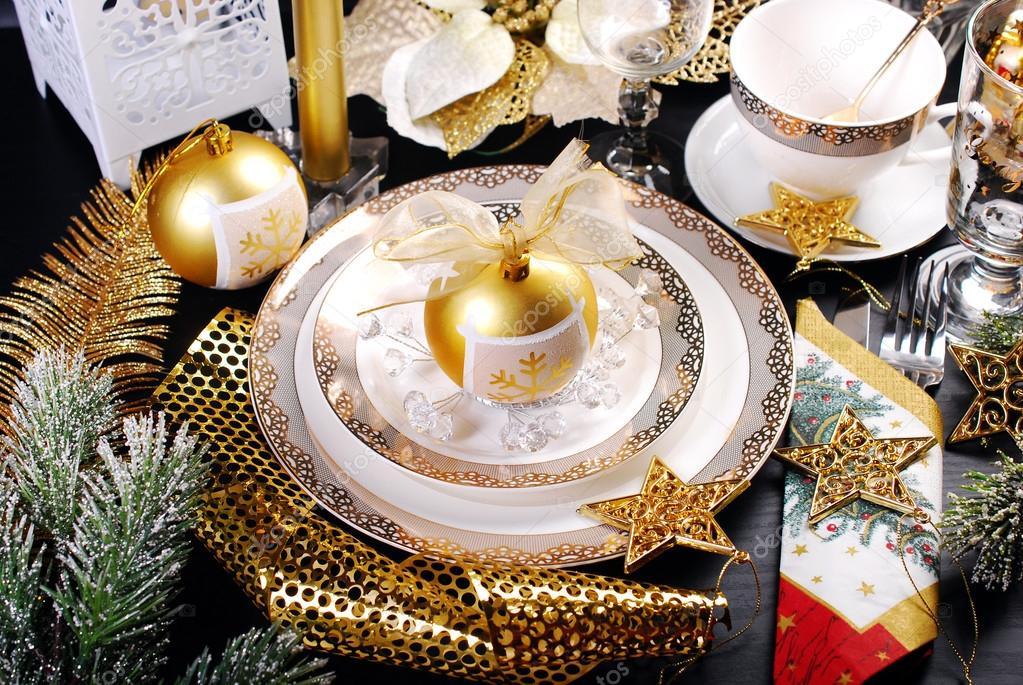 Kerst Tafel Decoratie : Kerst tafeldecoratie in glamour stijl u2014 stockfoto © teresaterra