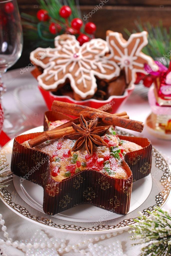Torta A Forma Di Stella Di Natale.Stella A Forma Di Torta Con Frutta Secca E Biscotti Di Pan Di