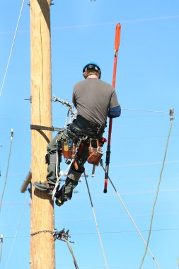 Electrical lineman student working