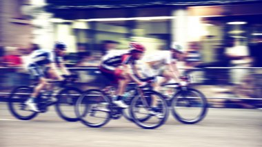 Bicyclists in race