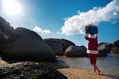 Fényképek Férfi séta beach Santa Claus jelmez