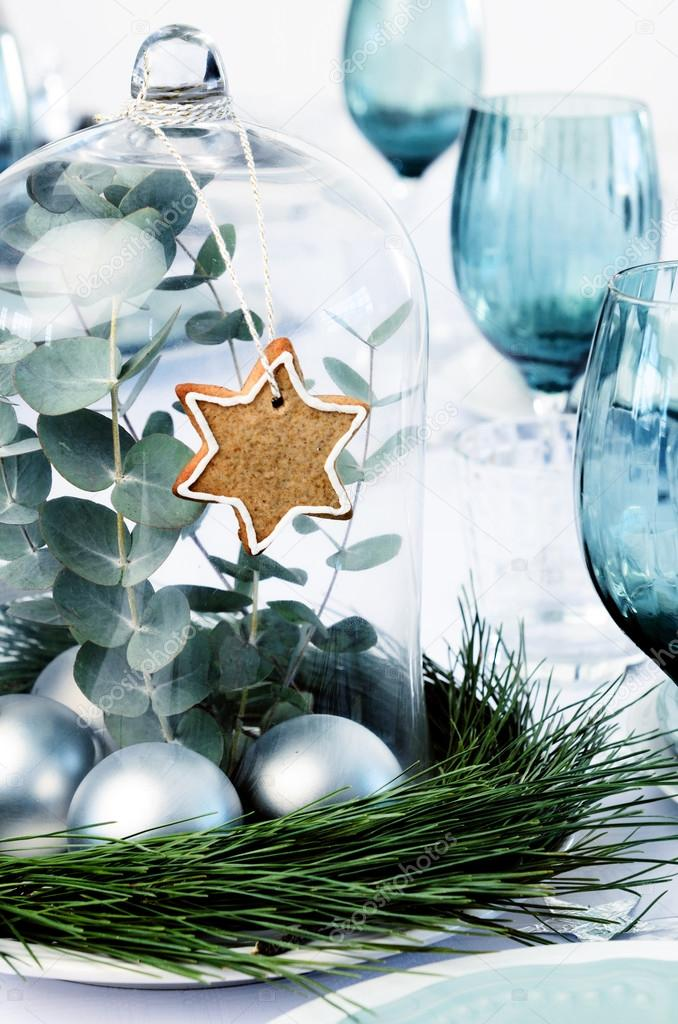simple christmas decoration for dinner table centerpiece ストック