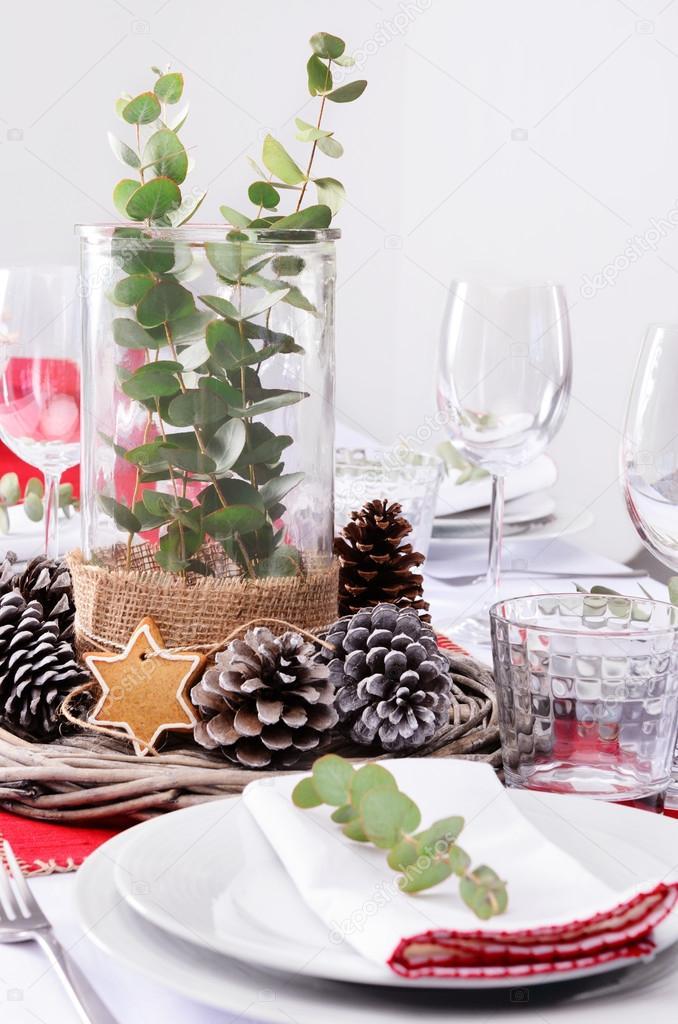 Rustikale Weihnachtsmittelstück für das Abendessen Gedeck ...